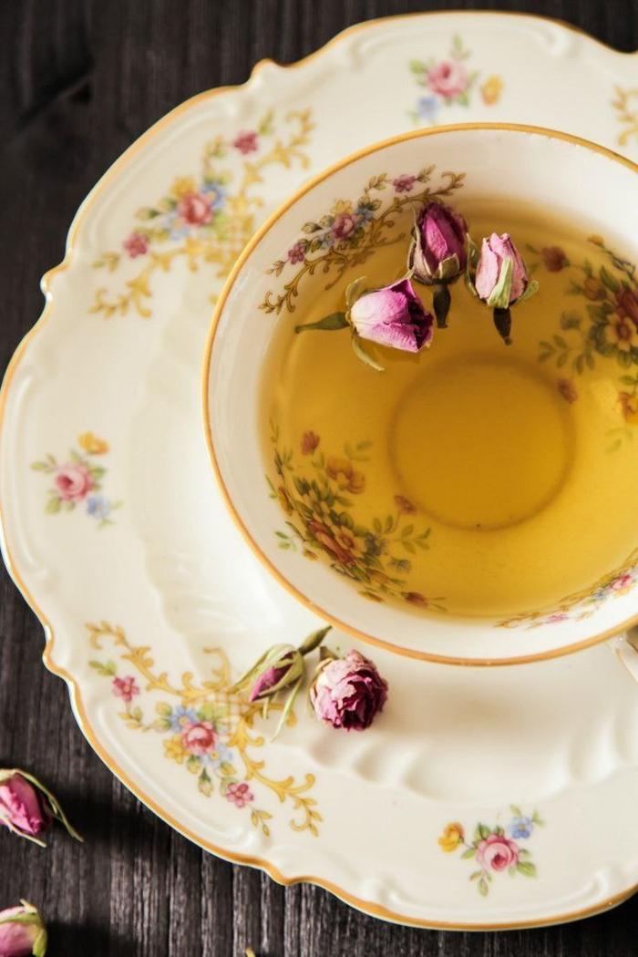 یک فنجان چایی با طعم گذشته