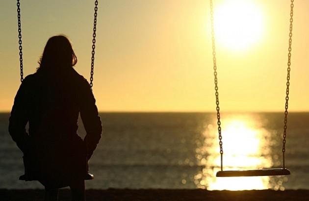 چرا قطع رابطه برای برخی افراد سختتر از دیگران است؟