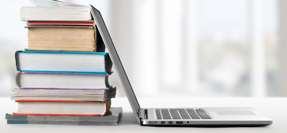 کتاب یا وبلاگ