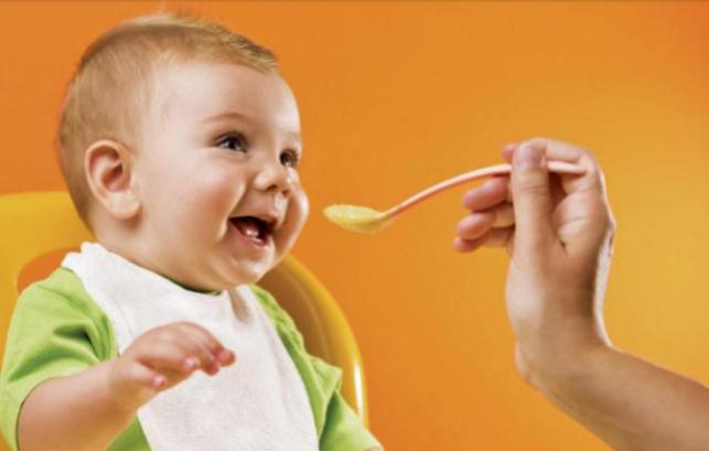 نکاتی مهم در تغذیه تکمیلی نوزادان