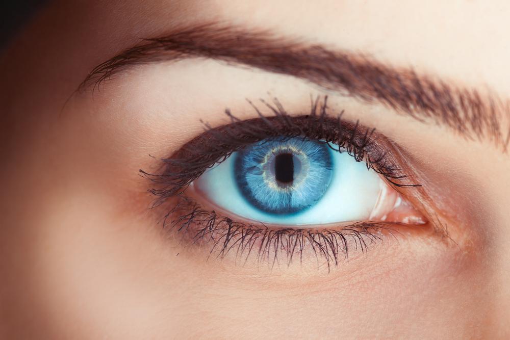 راز چشمان آبی