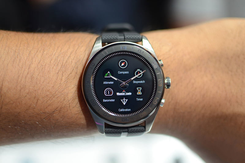 ساعت الجی W7؛ ترکیبی از سنت و مدرنیته