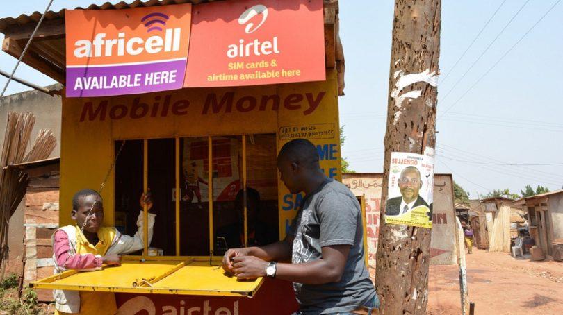 در آفریقا گوشیهای تلفن همراه جای شعب بانکی را گرفته اند