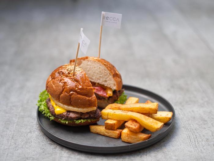 عاشقان برگر: تاریخچه محبوبترین ساندویچ دنیا