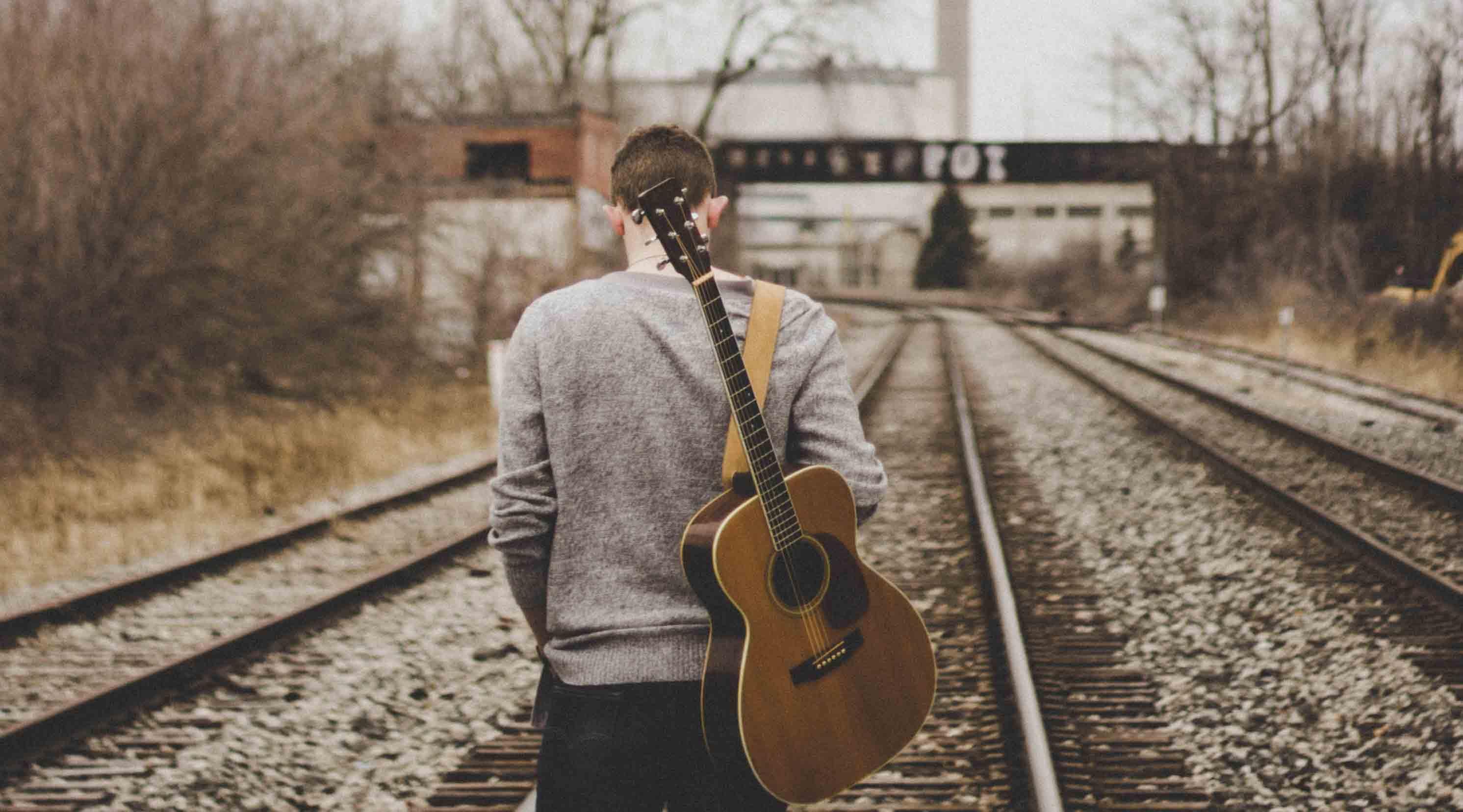 درباره خرید اولین گیتار و تجربه من