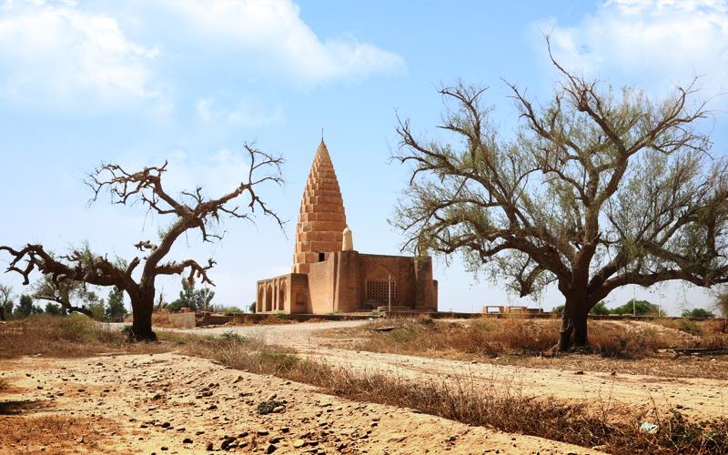 ۸ دی، زاد روز رادمان پور ماهک، نخستین پادشاه پارسی دوست پس از اسلام