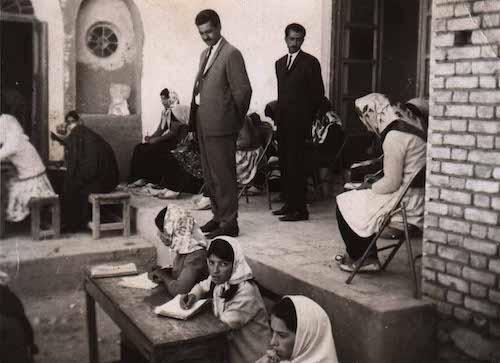 وزوانیان هنوز به زبان پهلوی سخن می گویند