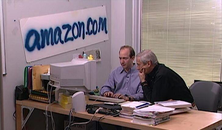 اولین روزهای شرکت آمازون - سمت چپ جف بیزوس