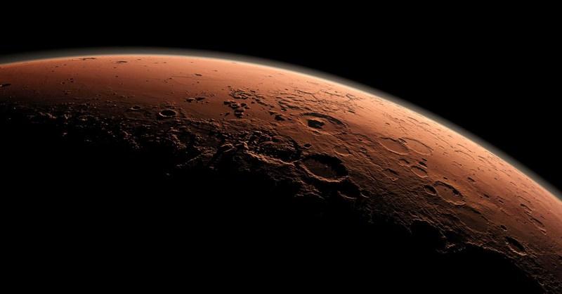 آیا روی مریخ آب مایع وجود دارد؟