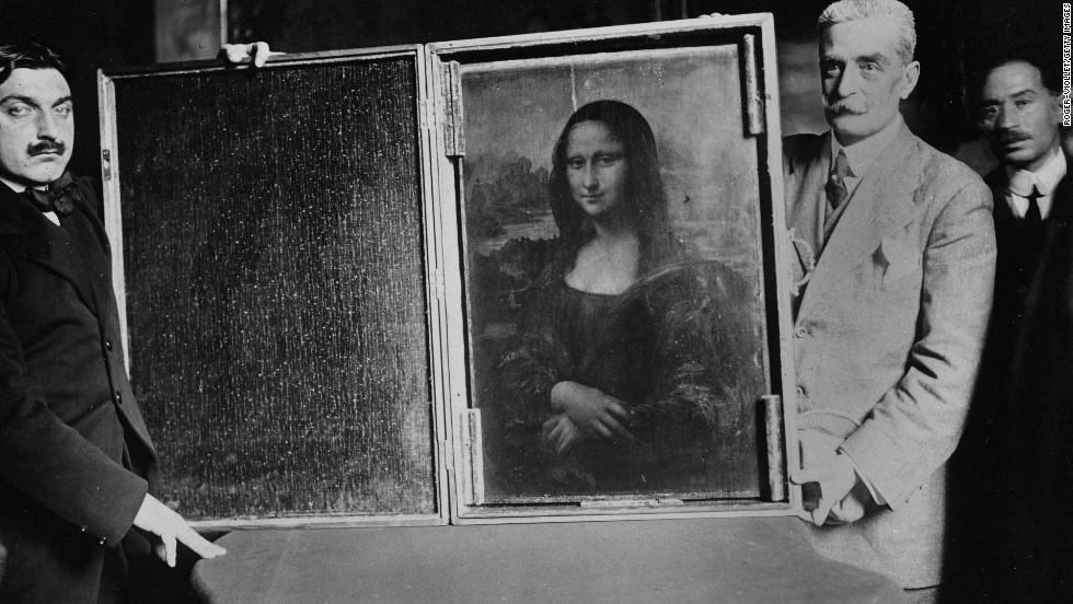 تابلوی مونالیزا بعد از دزدیده شدن، در حال برگرداندن به موزه لوور