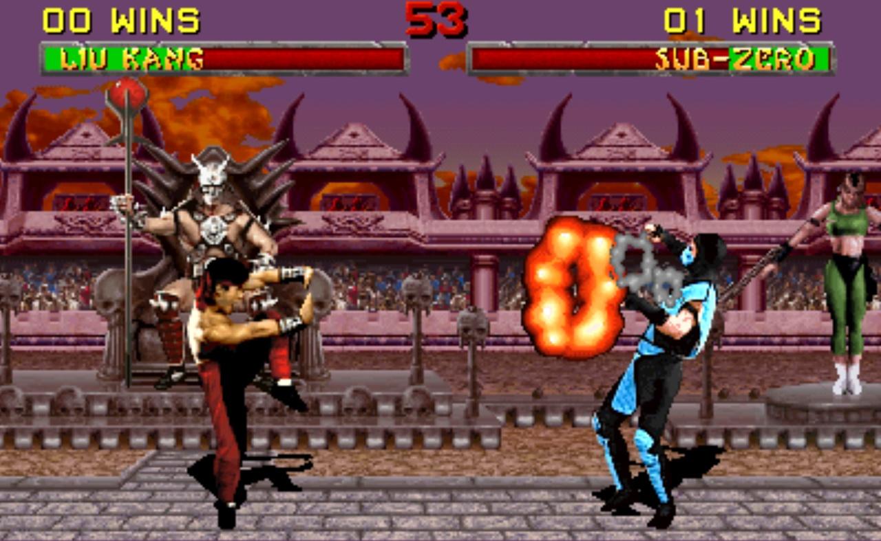 لیو کانگ ( که ما بهش میگفتیم بروسلی) در حال پرتاب آتش به مرد یخی در یک مبارزه خیلی نفس گیر و برابر