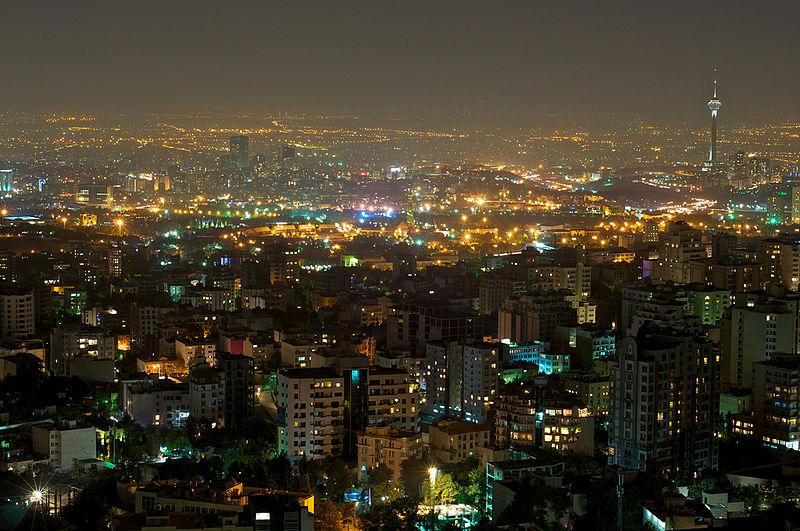 بام تهران | مکانی عالی برای تماشای شب های پایتخت