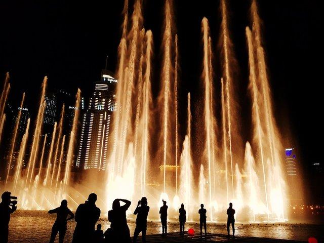 آب نمای دبی بزرگ ترین آب نمای موزیکال دنیا