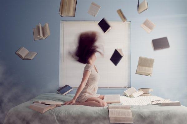چرا گاهی لازم است کتابها را زمین بگذاریم و خود بیاندیشیم
