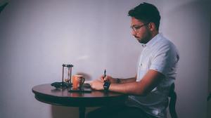 چطور با تلاش کمتر، از زندگیمون بیشتر لذت ببریم؟ (تجربه خودم + ویدئو)