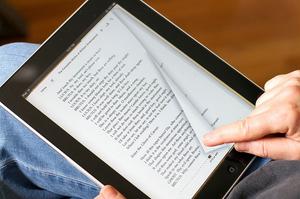 کتاب خواندن روی گوشی و تبلت