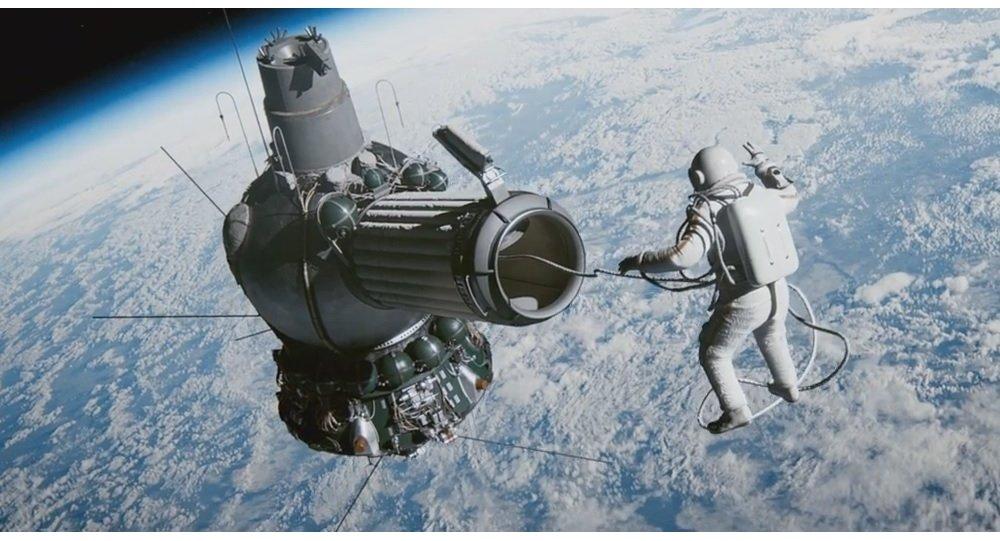 نگاهی به فیلم Spacewalk: راه دشوار اولین بودن