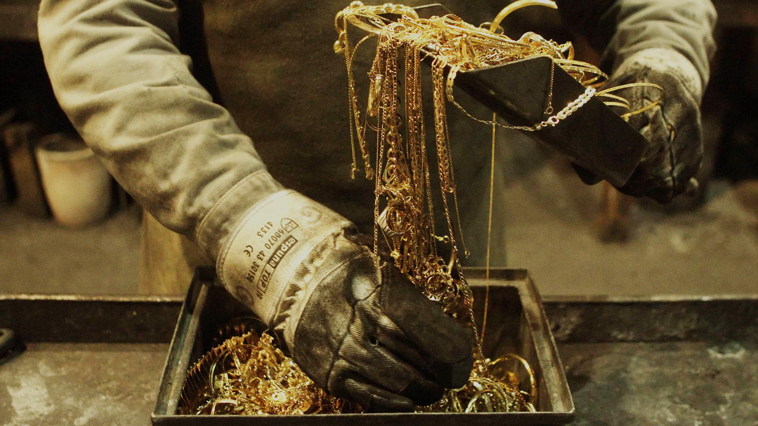 عوامل اثرگذار بر قیمت طلا