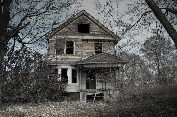 داستان کوتاه ترسناک خانه قدیمی مادربزرگ