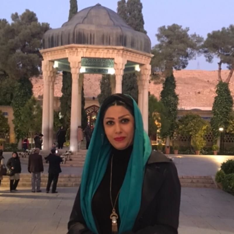 یلدا صدرالحسینی