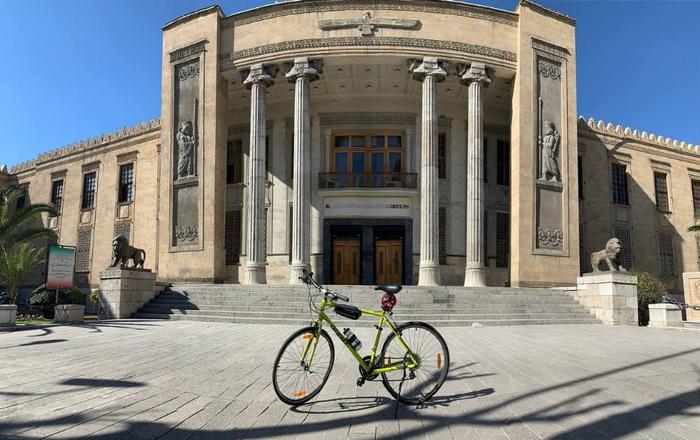 چند ساعت دوچرخه سواری در تهران، از شمس العماره تا سعدآباد!