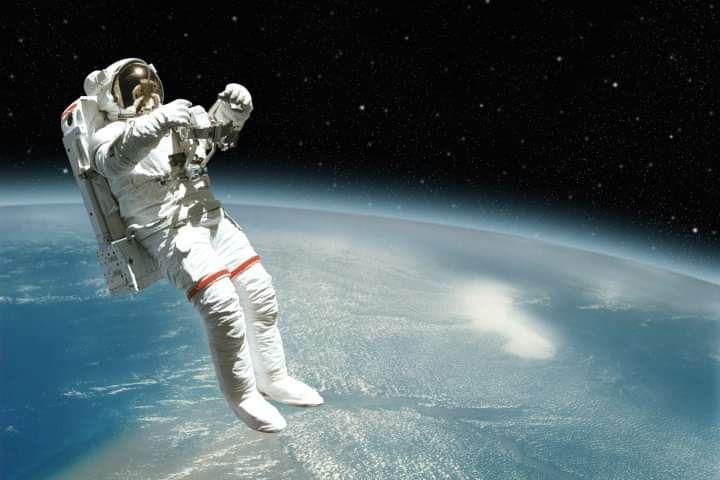 فضانوردی معلق در فضا