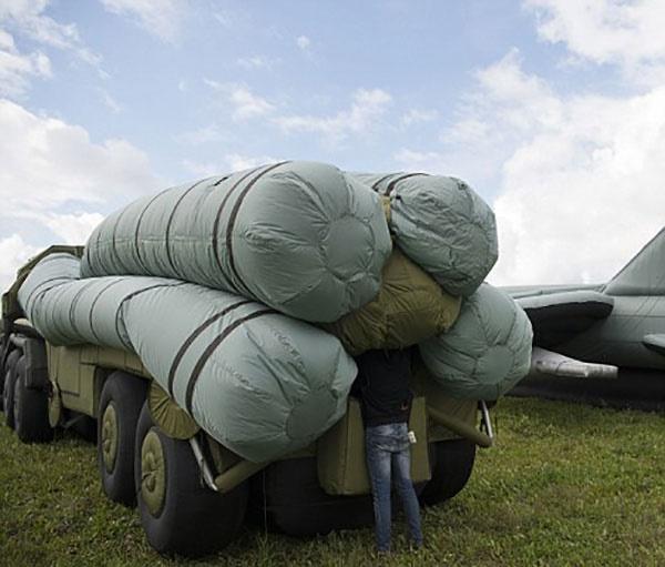 تجهیزات بادی ارتش روسیه برای فریب نیروهای دشمن در عملیات احتمالی هوایی