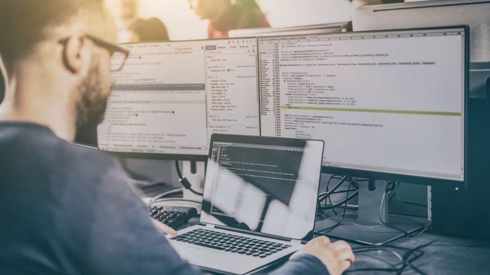 بهترین مانیتورها برای برنامهنویسی در سال ۲۰۱۹