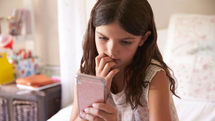 چگونه دستیارهای شخصی هوشمند روی رفتار فرزندانمان اثر میگذارند؟