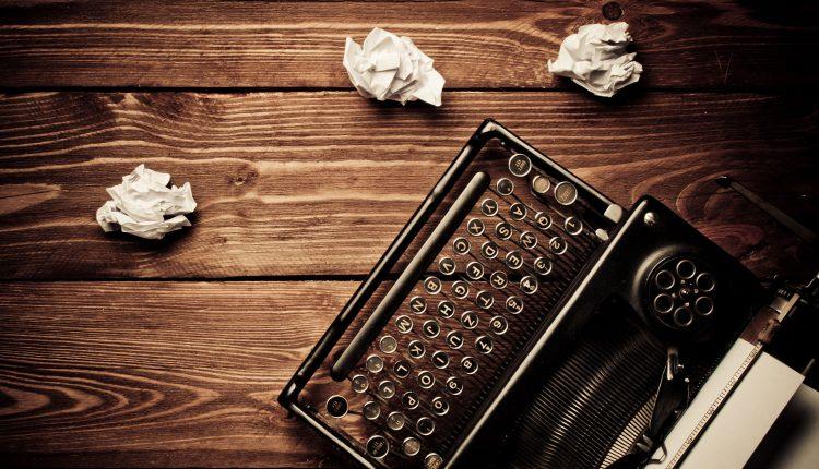 تیتر های جذاب چگونه به دنیا می آیند ؟ – راهنمای نوشتن تیترهای جذاب برای محتوا