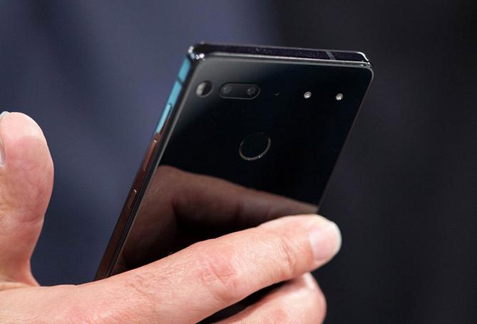 خالق اندروید در پی ساخت گوشی مبتنی بر هوش مصنوعی با توانایی ارسال خودکار Sms
