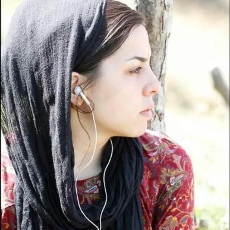 نگین منصوری
