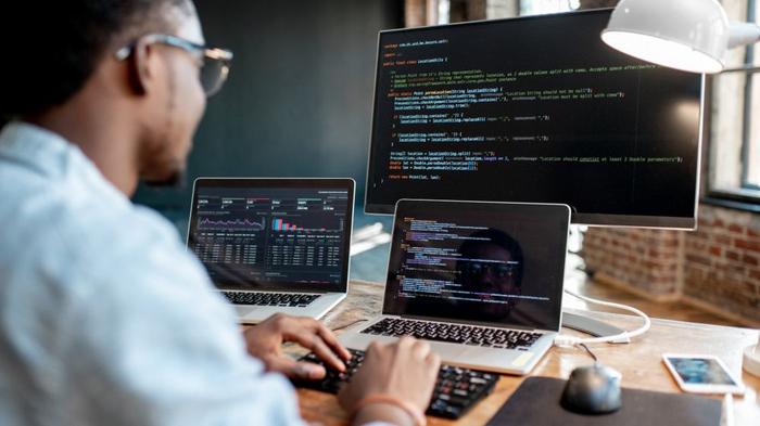 چطور در برنامه نویسی پیشرفت کنیم؟