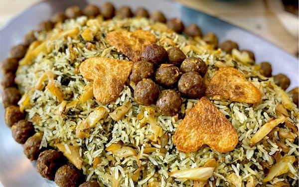 طرز تهیه کلم پلو شیرازی با گوشت چرخ کرده خوشمزه و پرطرفدار