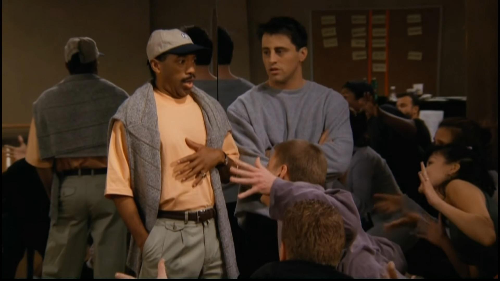 صحنهای از فرندز که جویی به دروغ گفته بود رقص بلده