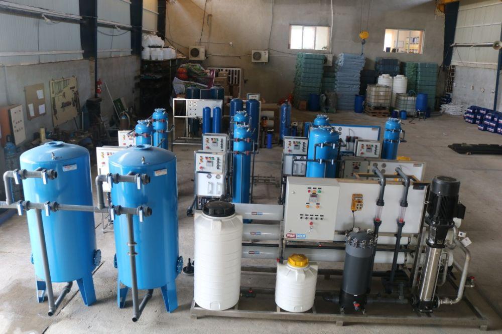 مجموعه دستگاه تصفیه آبپاکسازان صنعتی به سبک RO در انواع ظرفیت