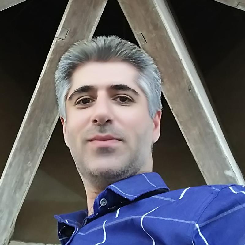 امیر حسین اکبری