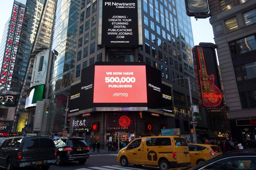 جومگ در Times Square نیویورک