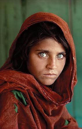 عکس متعلق به دختری افغانی به نام شربت گل