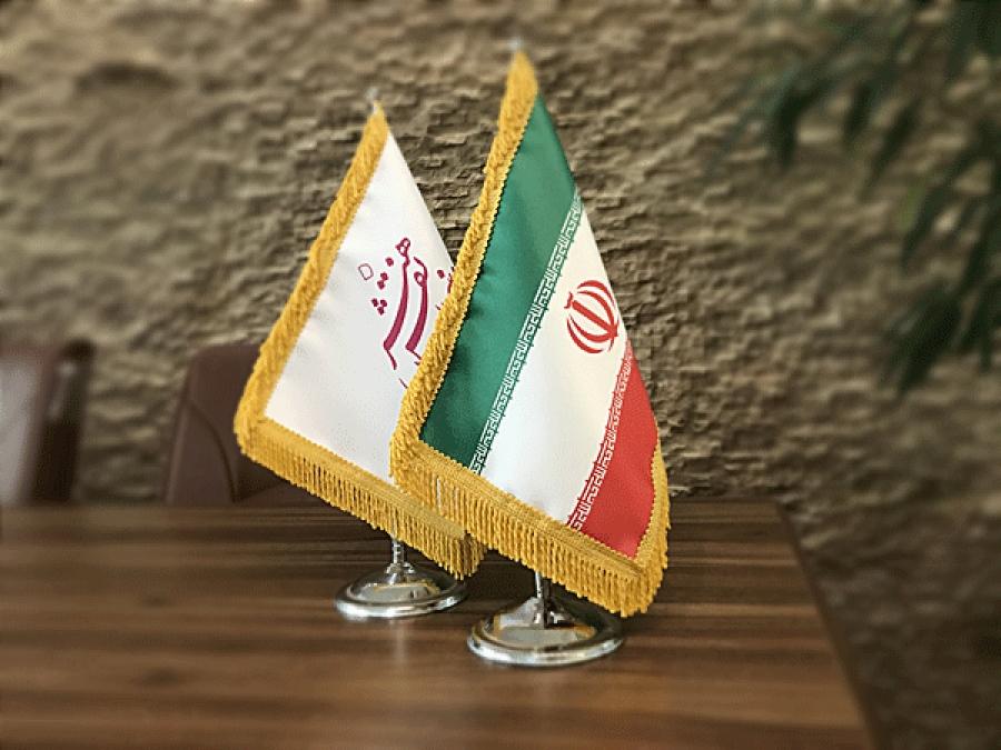 پرچم رومیزی در زیبا سازی محیط کار