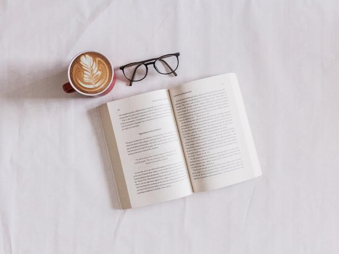 چطور با 4 نکته و تکنیک به کتابخوانی عادت کردم !