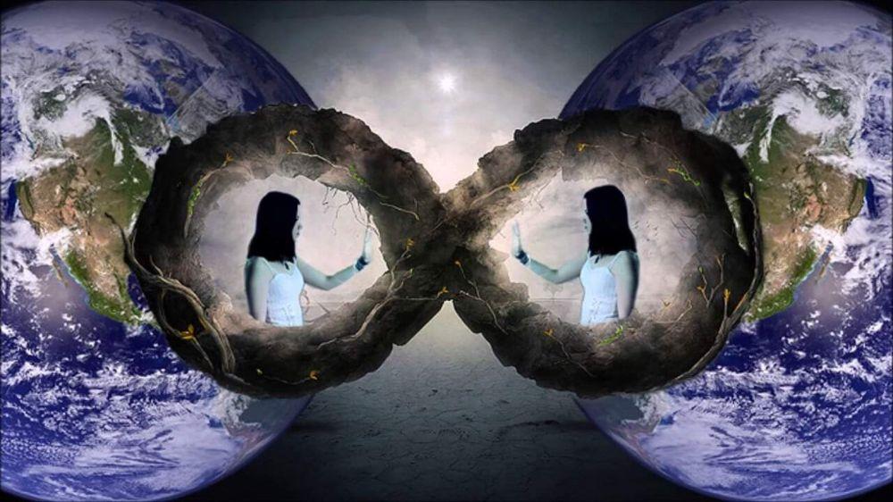 دنیای موازی و به کمک به پر کردن تنهایی هایم