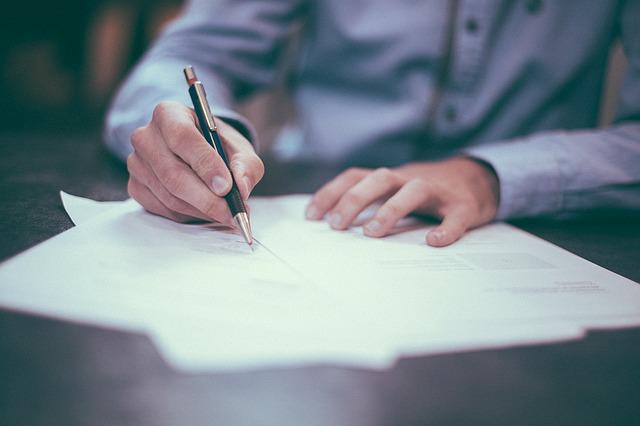 تصمیمات سخت رو روی کاغذ بیارید تا سادهتر بشند
