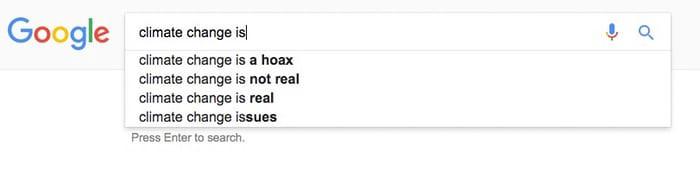 وقتی شما عبارت «تغییرات آب و هوایی» رو مینویسید، گوگله که تصمیم میگیره اول چه مطالبی رو به شما پیشنهاد بده