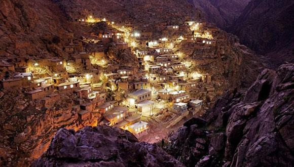 روستای پالنگان ، کوه رودخانه دره