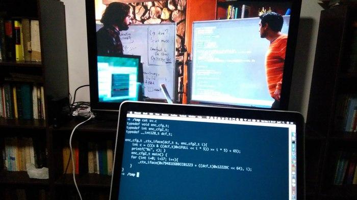 ایستر-اِگ برنامهنویسی در سیلیکون ولی سیزن سه، قسمت یک