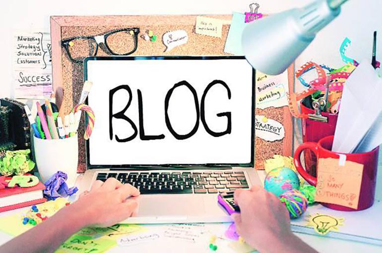 بلاگ چیه و به کی میگن بلاگر؟