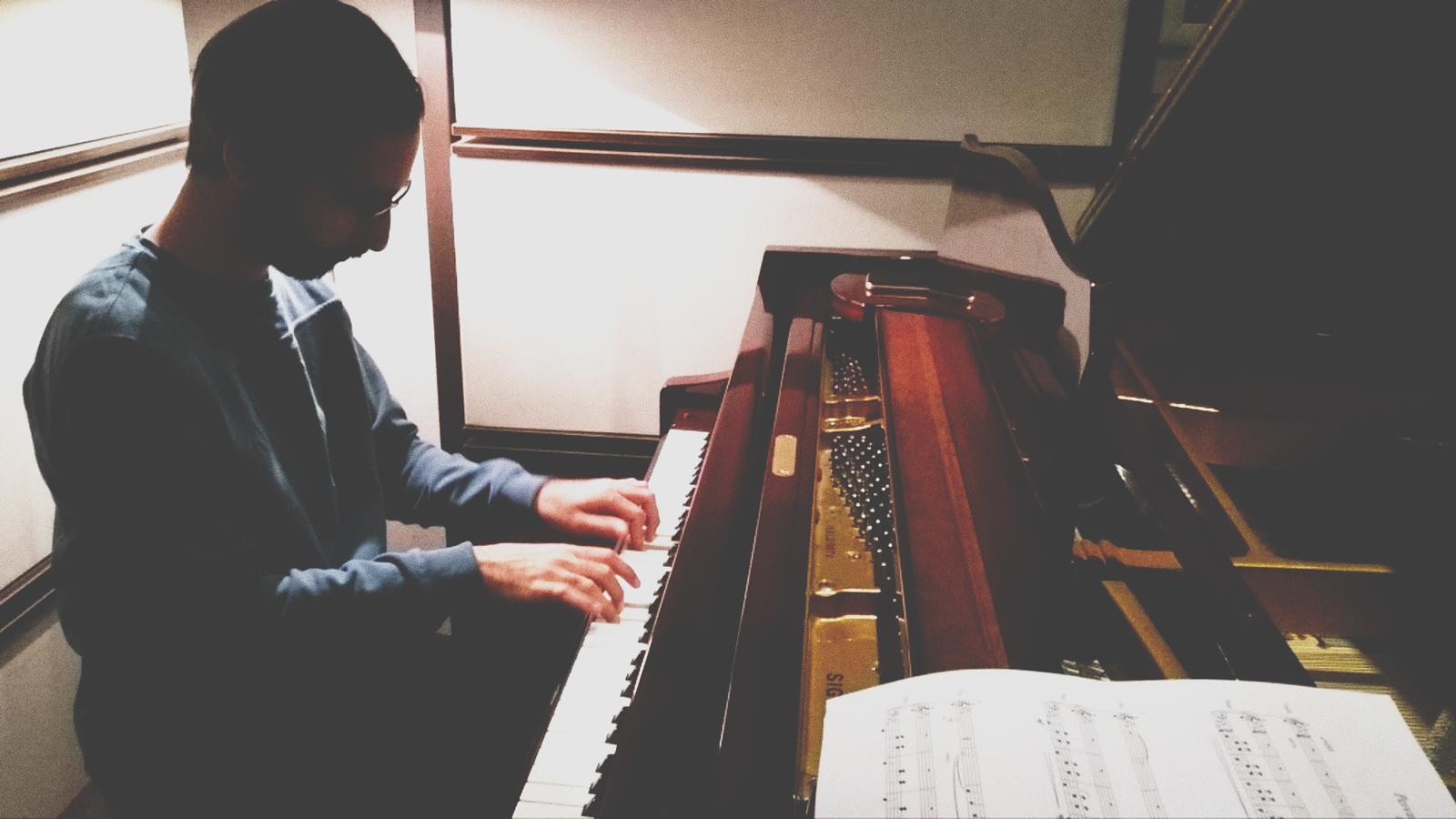 عماد ساعدی، استودیو کرگدن، ضبط موسیقی ماهنامه پیوست