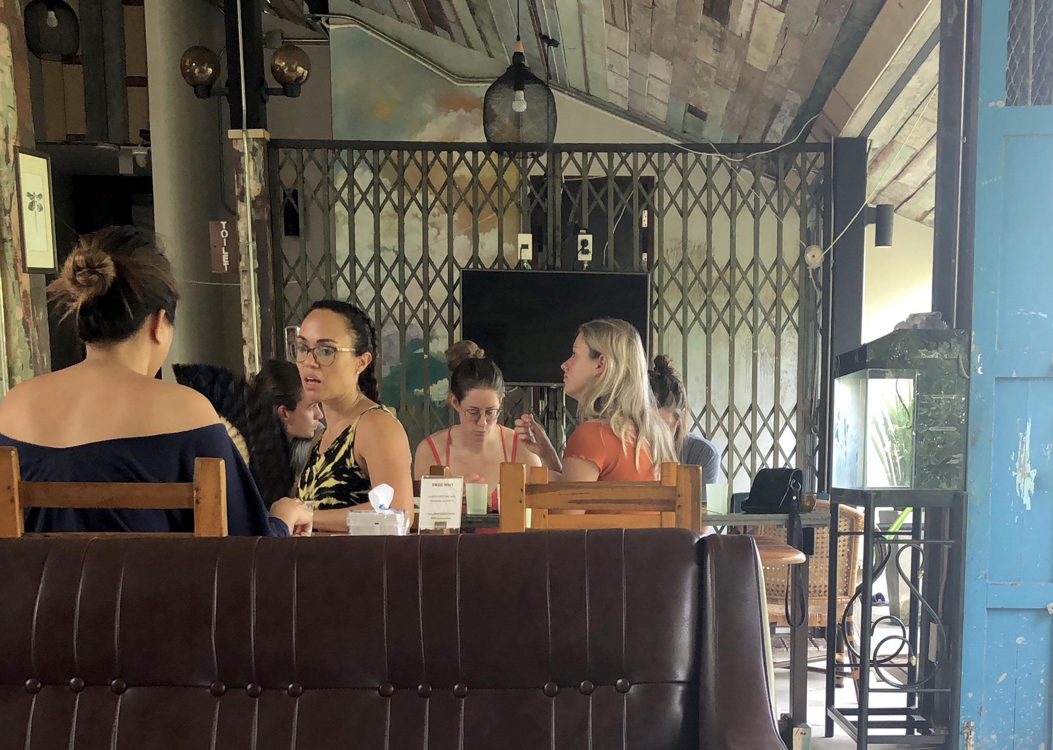 تجربه اقامت در ۳ هاستل در سفر به تایلند