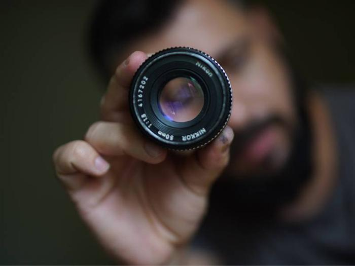 لنز پرایم چیست و استفاده از آن چه مزایایی دارد؟